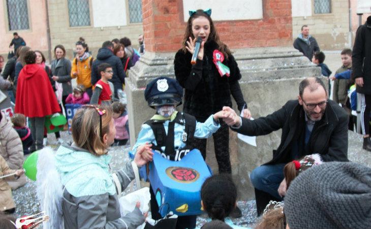 A Castel San Pietro Terme vince la maschera del Poliziotto Transformer, tra i baby primo posto per Principe e Dama