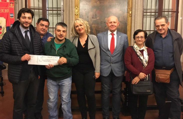 """Dai proventi del """"Natale 2018″ la società Sfera ha donato 2.900 euro all'associazione """"Germoglio' di Medicina"""