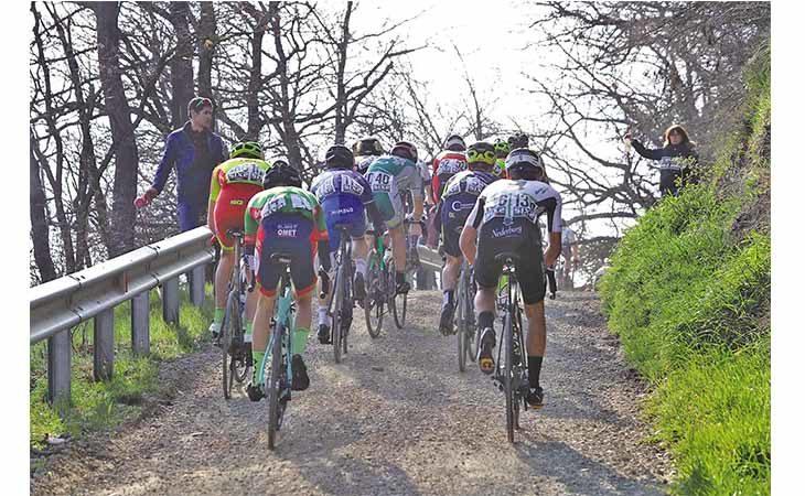 Ciclismo, Mordano è internazionale con le sue Strade Bianche di Romagna
