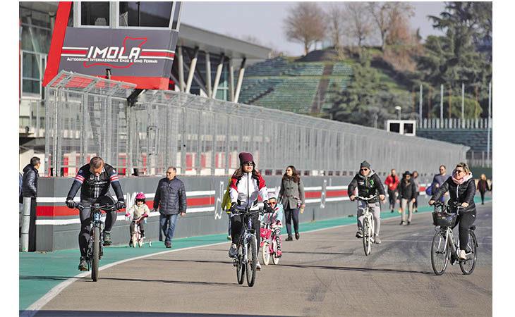Aperture autodromo, due pomeriggi per il pubblico all'Enzo e Dino Ferrari