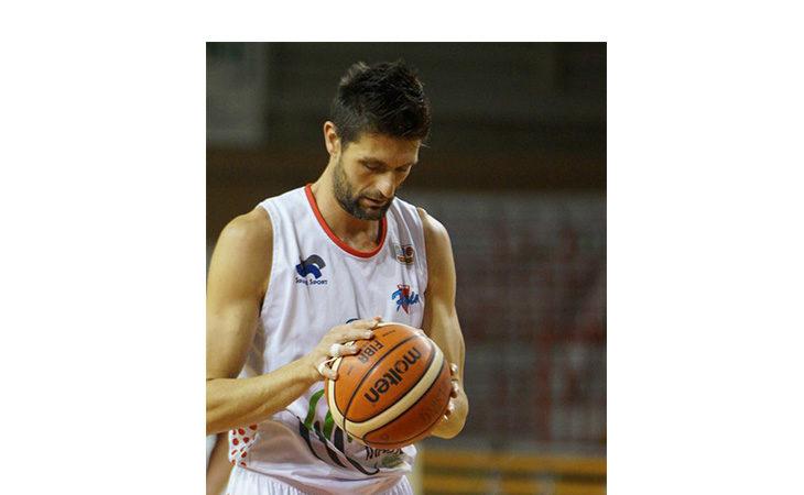 Basket serie B, Dordei segna sulla sirena e la Sinermatic Ozzano fa l'impresa contro Faenza