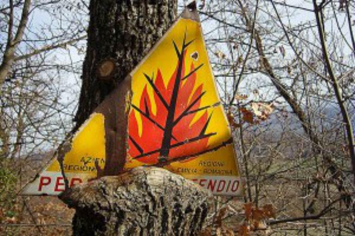 Siccità e temperature superiori alla media, stato di attenzione per gli incendi boschivi fino al 2 aprile in tutta la regione