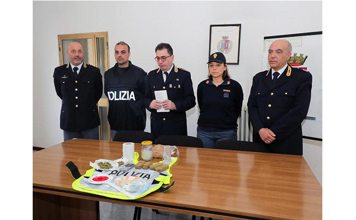 «Pizzicato» con quasi quattro etti di droga in casa, arrestato 31enne a Imola
