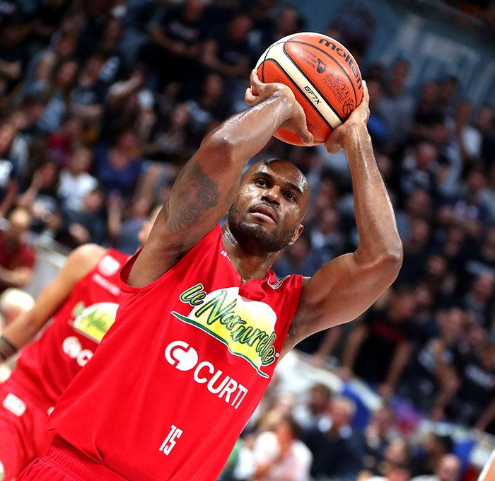 Basket A2: i cinque minuti di Gasparin condannano Le Naturelle