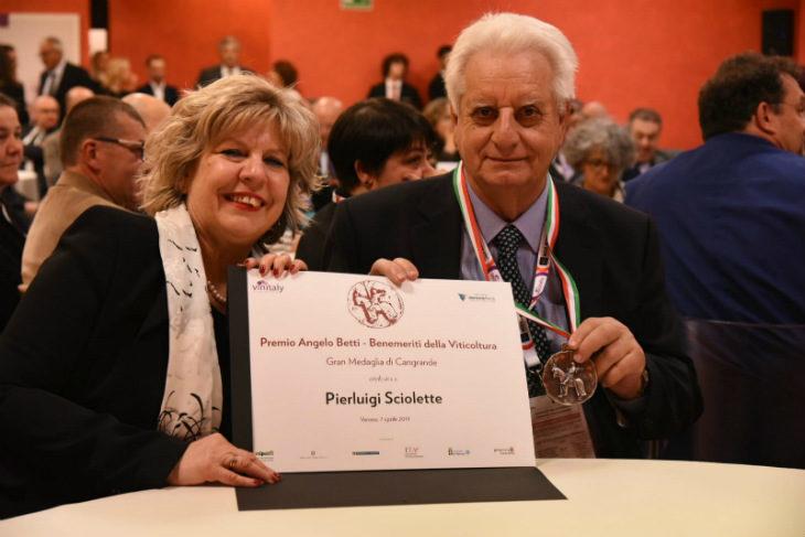 """Premiato al Vinitaly come """"Benemerito della viticoltura' il presidente dell'Enoteca regionale di Dozza"""
