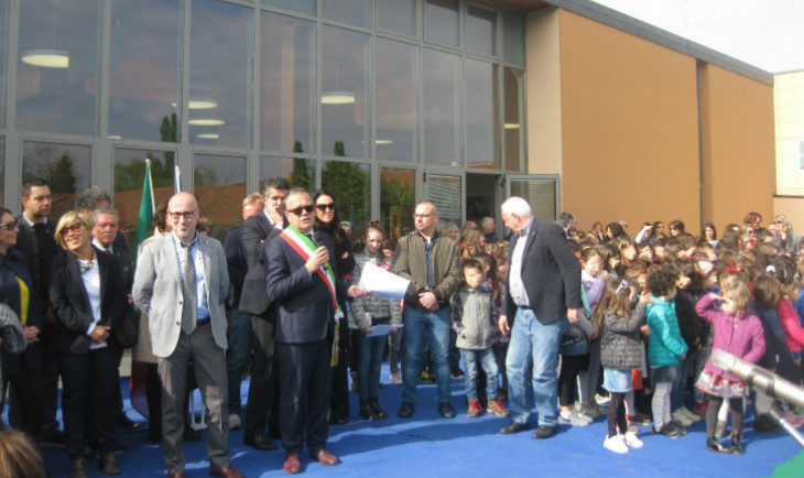 "La mensa-auditorium della primaria ""Luciana Sassatelli' di Castel San Pietro intitolata alla partigiana Ermelinda Bersani"