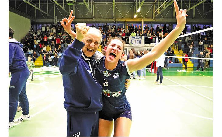 Pallavolo femminile, tutta la gioia della Clai Imola per la promozione in B1