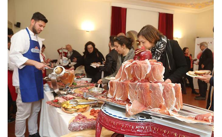 Clai, all'estero va forte il prosciutto di Parma bio
