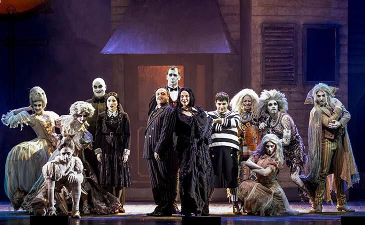 Gabriele Cirilli e «La famiglia Addams» arrivano allo Stignani. Domani il via alla prevendita