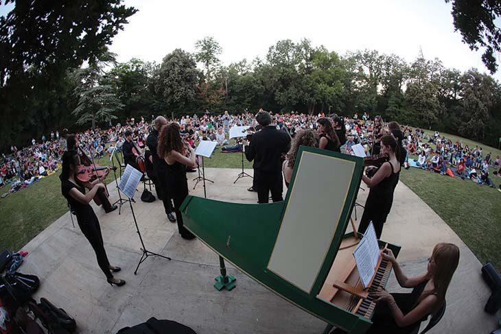 Elio, Noemi, concerto all'alba, buskers, scuole e associazioni: «Imola in musica» sta per tornare