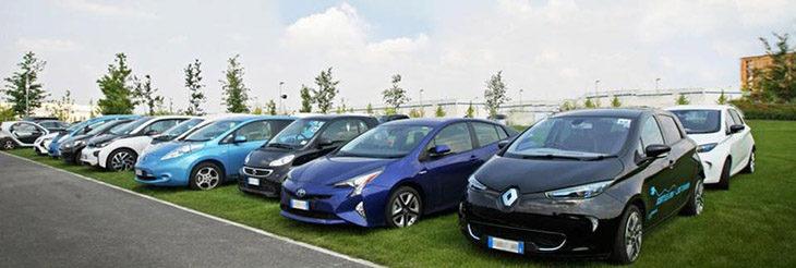 """""""Ev team rally' tra piazza Gramsci e l'autodromo, raduno di auto elettriche organizzato da Legambiente"""