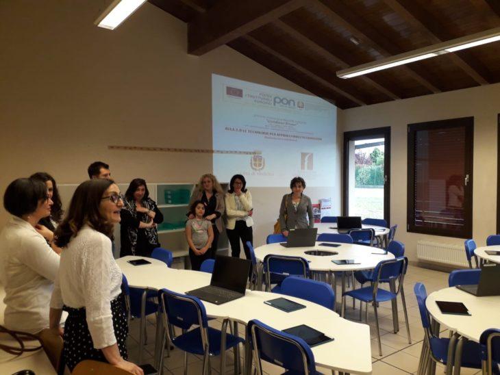 Inaugurata all'istituto superiore Giordano Bruno di Medicina la nuova aula 3.0 attrezzata con tablet e computer