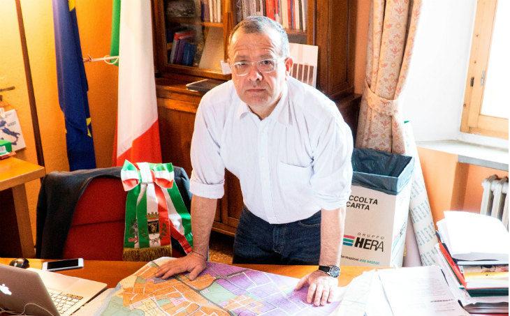 Il sindaco di Castel San Pietro Fausto Tinti: «Dubbi se continuare con la polizia municipale associata a Imola»