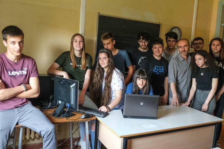 """Educazione ambientale, tre classi imolesi premiate da Hera con sei pc nell'ambito del concorso """"Click Day'"""