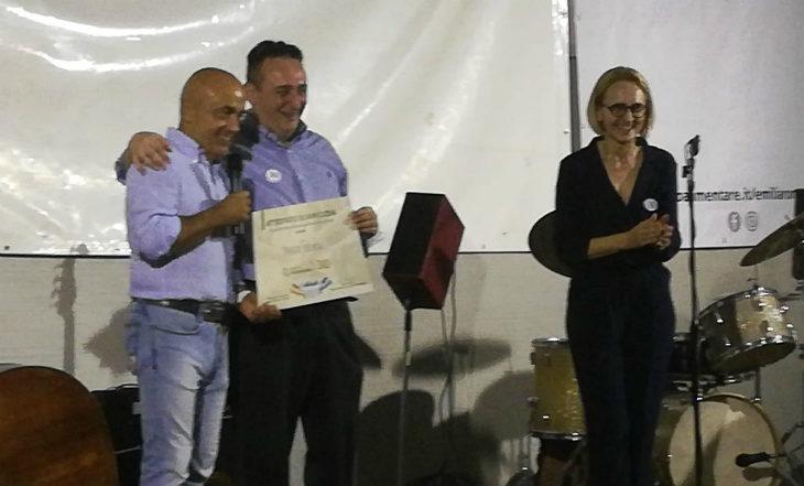 Il comico Paolo Cevoli mattatore della festa per il trentennale del Banco Alimentare al magazzino di via Zello