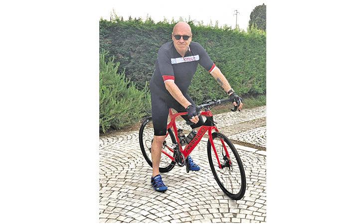 L'economista imolese Alberto Forchielli e l'amore per la bicicletta: «Pedalavo con Prodi, mi è tornata la passione»