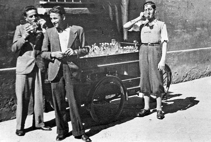 Il carretto delle bibite in via San Pier Grisologo