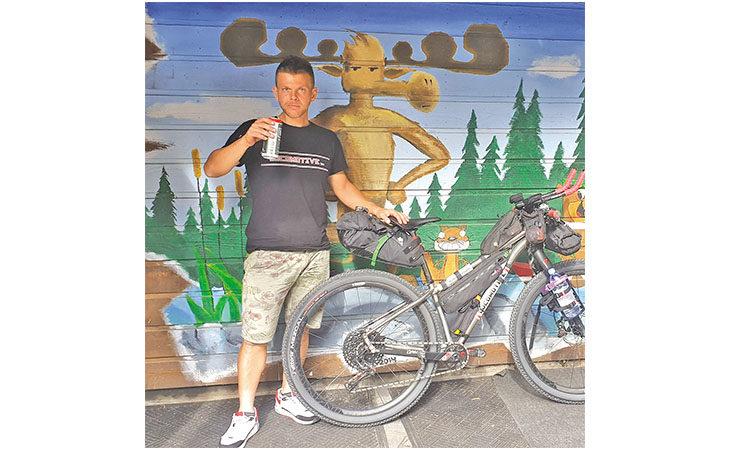 Il ciclista medicinese Stefano Romualdi ha concluso alla grande il suo secondo «Tour Divide»