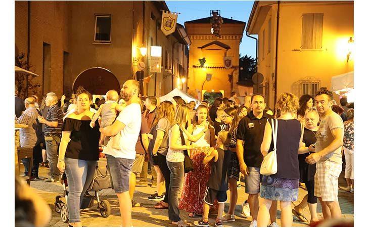 Il gusto della ciambella e il profumo del vino alla tradizionale sagra di Castel Guelfo. IL VIDEO
