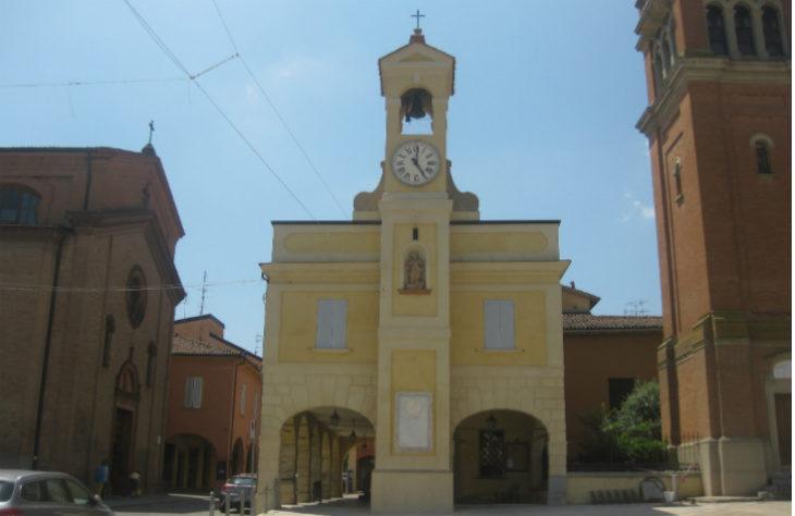 Completato a Castel San Pietro Terme il restauro della facciata dell'ex Pretura in piazza XX Settembre