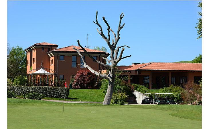 «Passeggiate del Benessere al Golf Club Le Fonti», stasera il terzo appuntamento
