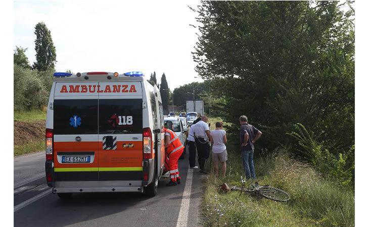 Incidente sulla Montanara, 87enne trasportato in gravi condizioni al Maggiore