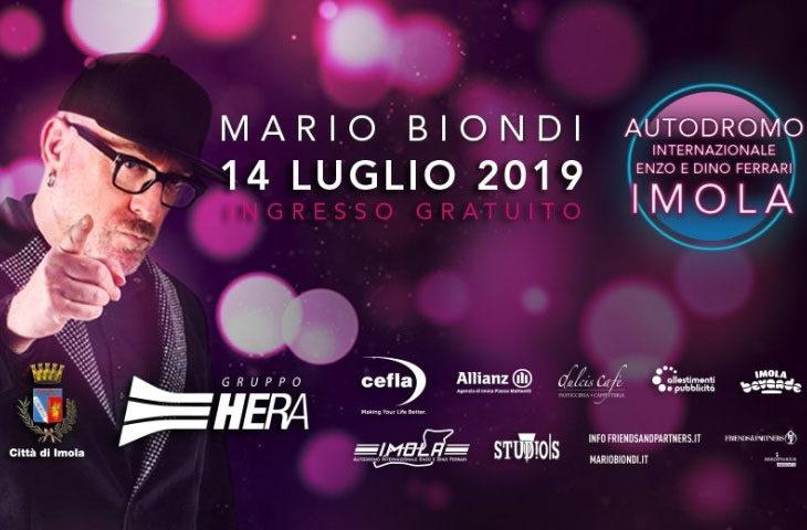 Solo posti in piedi per il concerto gratuito di Mario Biondi all'autodromo
