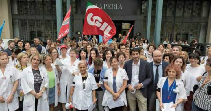 """E' crisi per il marchio """"La Perla': 126 esuberi su 540 dipendenti, le lavoratrici di nuovo in lotta"""