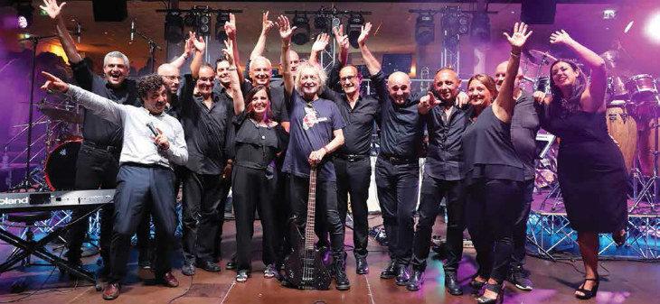 """In piazza a Castel del Rio cena e concerto con l'«iBigBand» e la partecipazione del """"Gallo' Claudio Golinelli"""