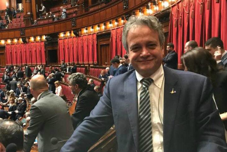 """Crisi governo, """"voto inevitabile' per il leghista Tonelli che intanto apre una vetrina in centro a Imola"""