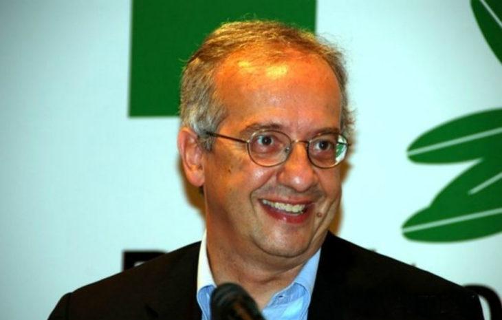 Walter Veltroni a Imola alla sala Bcc per presentare «La sfida interrotta. Le idee di Enrico Berlinguer»