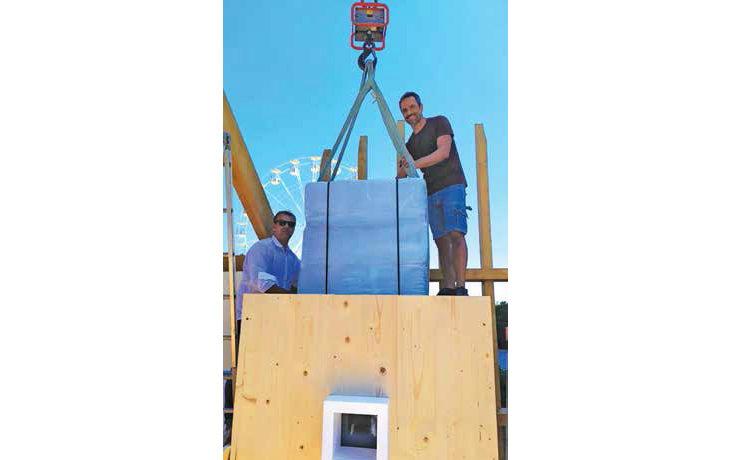 Con la sfida del cubo di ghiaccio il Settembre Castellano affronta il tema dell'efficienza energetica