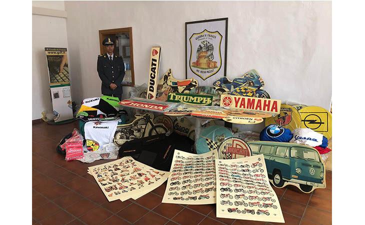 Mostra scambio all'autodromo, sequestrati 1.500 prodotti contraffatti. Tre persone denunciate