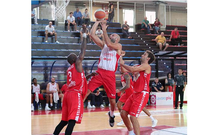 Basket A2 Supercoppa, successo in rimonta per l'Andrea Costa