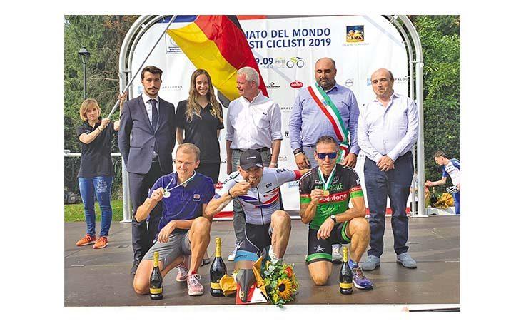 Ciclismo, ai Mondiali giornalisti due bronzi per l'imolese Stefano Salomoni