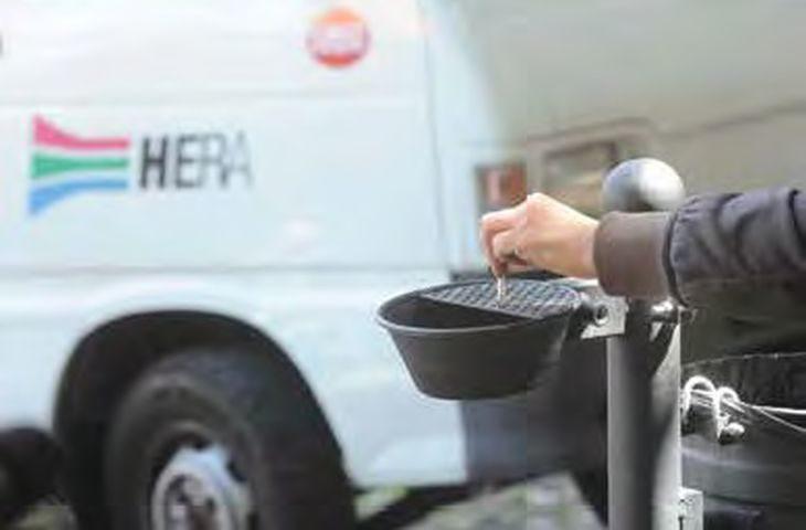 Nuovi cestini col posacenere per gettare i mozziconi di sigaretta