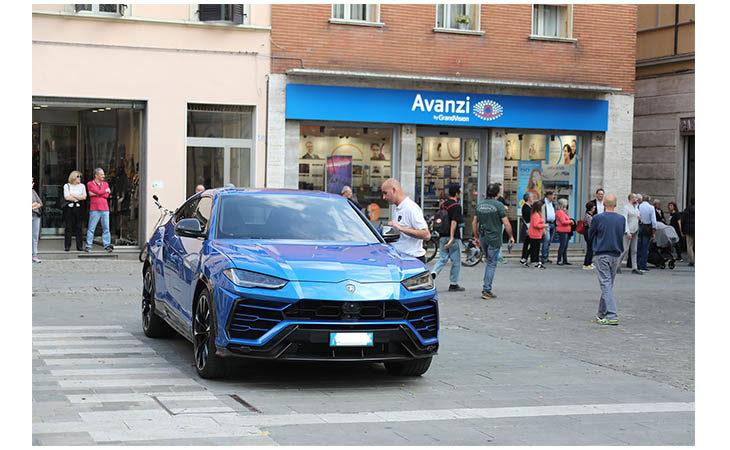 A Imola lo spot del nuovo suv Lamborghini «Urus». LE IMMAGINI
