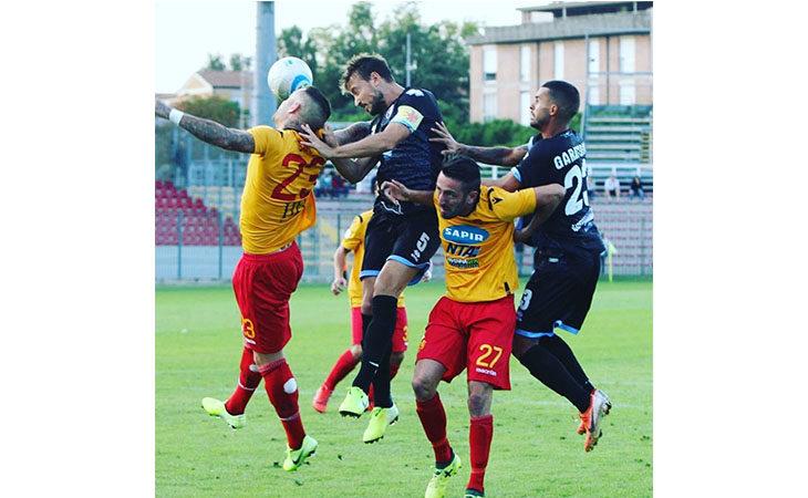 Calcio serie C, il tecnico Atzori e il difensore Valeau nel post partita di Imolese-Feralpisalò. IL VIDEO