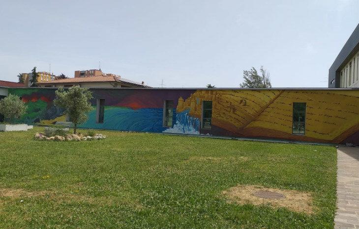 L'Istituto comprensivo 7 inaugura il «Muro della Legalità» e consegna quattro borse di studio ad alunni della scuola