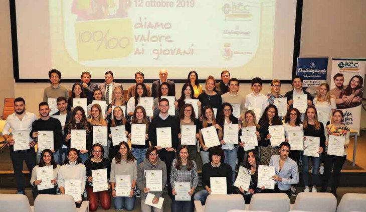 Guardano al futuro i 41 studenti premiati da Confartigianato e La Bcc per aver preso 100/100 all'esame di maturità