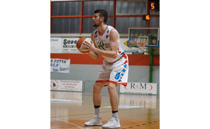 Basket serie B, la Sinermatic Ozzano perde l'imbattibilità casalinga contro Rimini