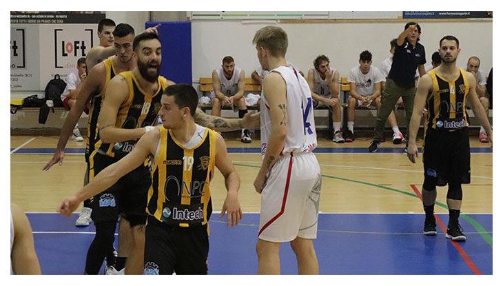 Basket C Gold, la Intech Imola fa piangere l'ex tecnico Tassinari. Al Ruggi superata Scandiano all'overtime