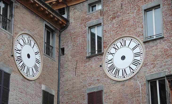 Domani l'orologio del comune tornerà a scandire il tempo (salvo imprevisti). Modifiche alla viabilità per i lavori