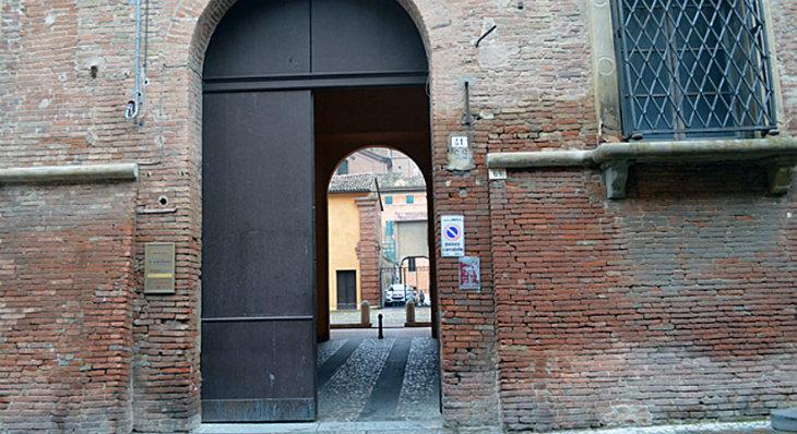 Al ristorante Ristorico di palazzo Monsignani la cena per finanziare i «pasti sospesi» per i poveri