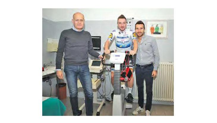 Il ciclista professionista Elia Viviani allo Studio B&B di Imola per il check-up «cardio»