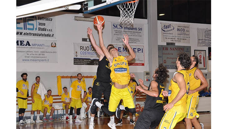 Basket C Gold, un'infinita Castel Guelfo sfiora la vittoria in casa di Bologna Basket