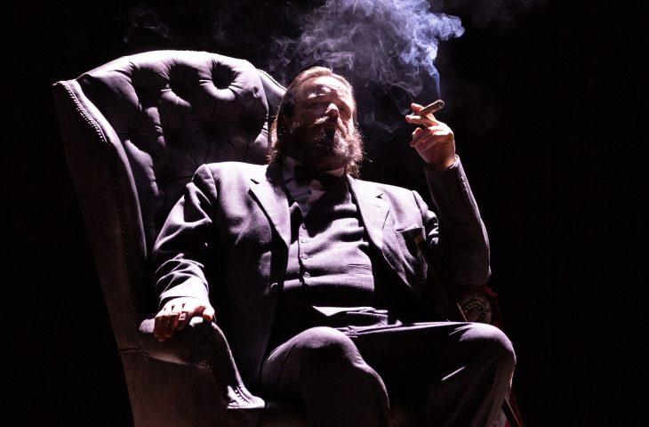Battiston è Churchill. L'attore al teatro Stignani dal 10 al 15 dicembre