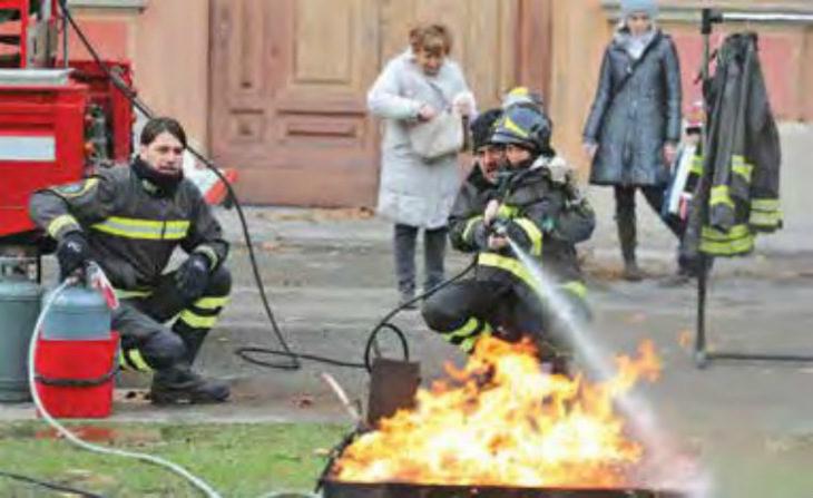 I pompieri celebrano la patrona santa Barbara con feste, cerimonie e dimostrazioni per grandi e piccoli