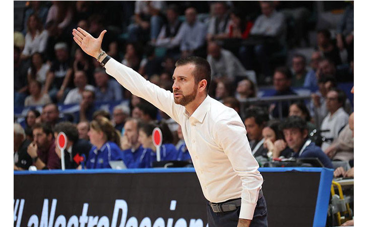 Basket A2, derby senza storia per l'Andrea Costa contro Forlì