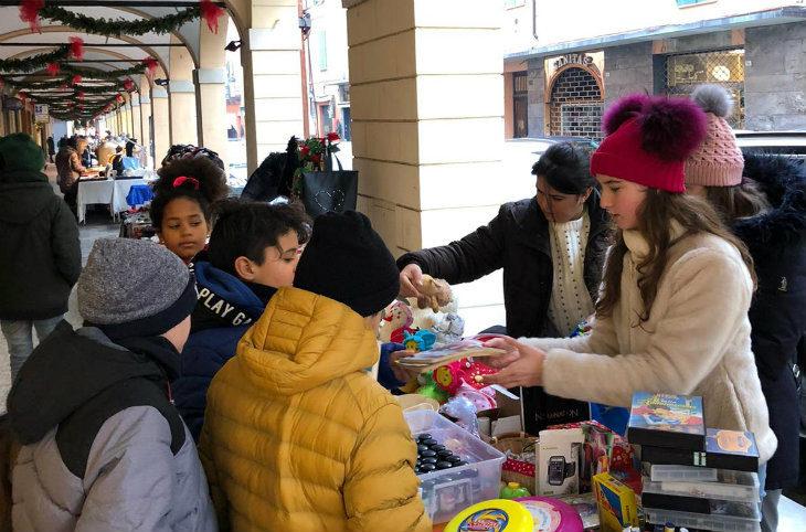 Successo per il mercatino di beneficenza del Consiglio comunale dei Ragazzi di Castel San Pietro